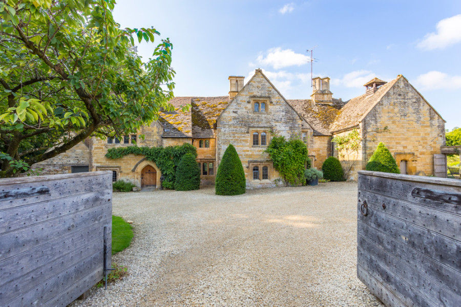 COTSWOLD MANOR