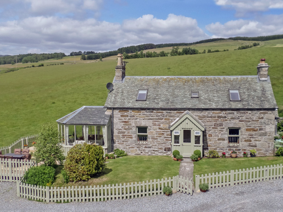 THE PERTHSHIRE COTTAGE