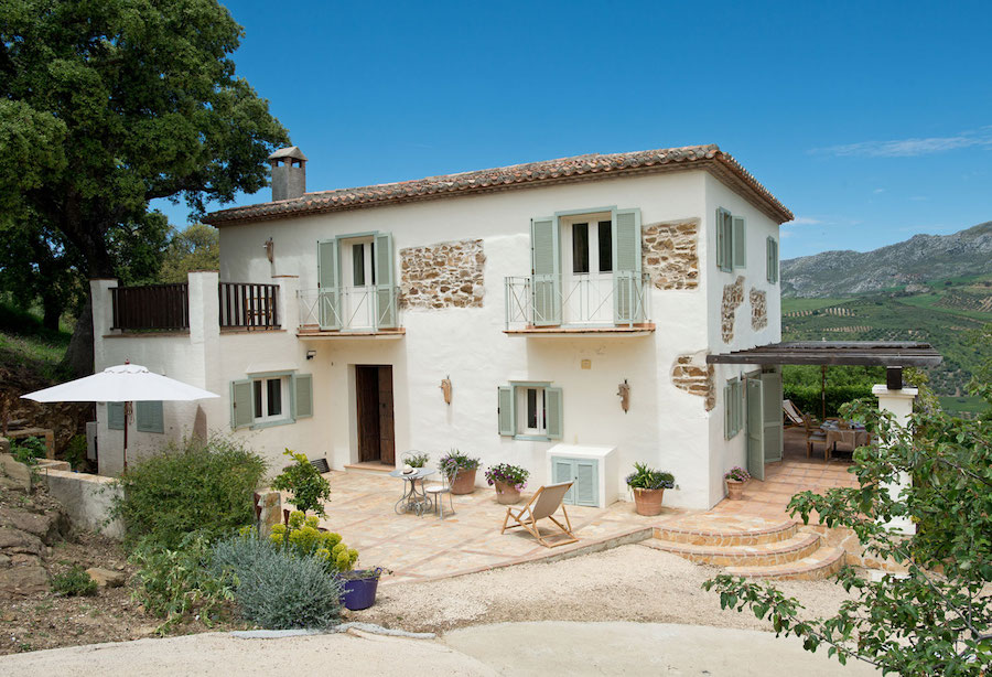 THE ELEGANT ANDALUCIAN FARMHOUSE
